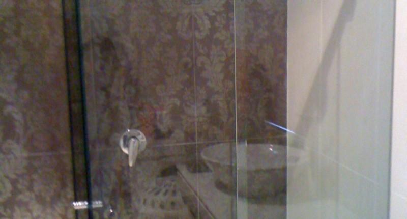 showerscreentraderspaul i phone 2 002_800x1066