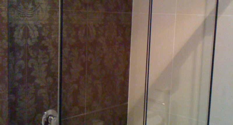 shower-screen-traders-frameless-showerscreen